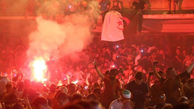Detenidas 282 personas en Francia por altercados con hinchas argelinos