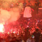 Hinchas argelinos celebran en Francia el pase a la final de la Copa Africana de Naciones
