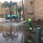 Actual contrata de limpieza y recogida de basuras durante el servicio.