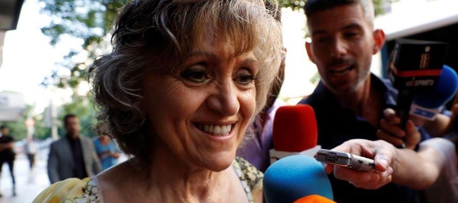 María Luisa Carcedo ante los medios