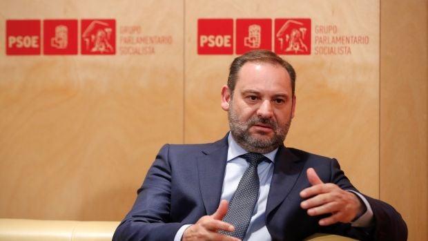 """Ábalos espera que Iglesias """"no niegue tres veces a Sánchez"""""""