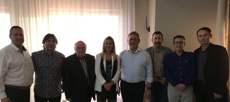 Delegació de Vila-real encapçalada per la coodinadora general d´Alcaldía Silvia Gómez i representants de la ciutat eslovaca.