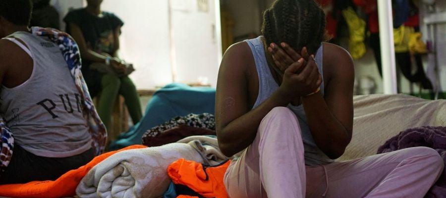 Una de las migrantes a bordo del Open Arms