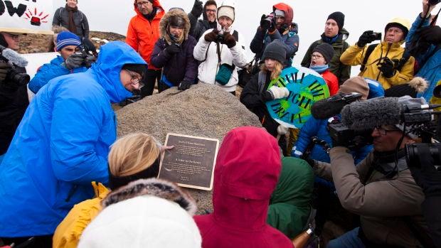 Islandia celebra un 'funeral' por la muerte de su primer glaciar a causa del cambio climático