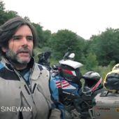Charly Sinewan continúa en moto por los Pirineos