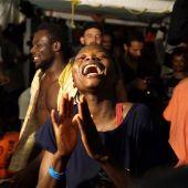 Los migrantes llegan a Lampedusa.