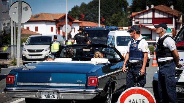Los fuertes controles policiales por la cumbre del G7 provocan las quejas de los comerciantes