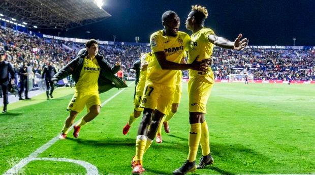 Chukwueze celebra el gol de la victoria en el Ciutat de Valencia