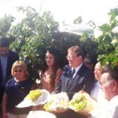 Acto del corte del primer racimo de uva embolsada del Vinalopó 2019/2020.