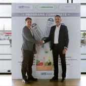 Javier Jiménez, director general de Lanzadera, y Nichan Bakkalian, responsable de Organización de Mercadona, han ratificado el acuerdo.