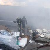 Incendio en el polígono Azque de Alcalá de Henares