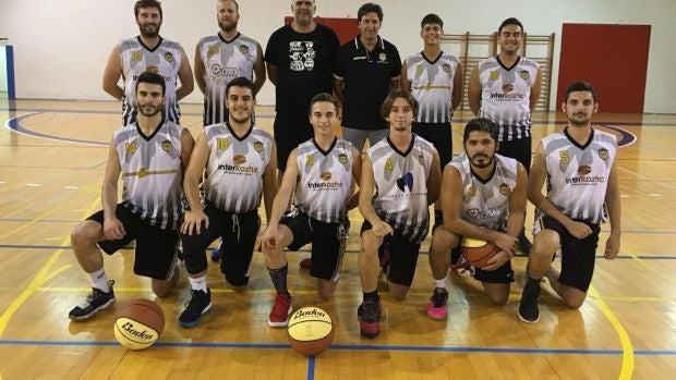La plantilla del equipo sénior masculino del Elche Basket Club.