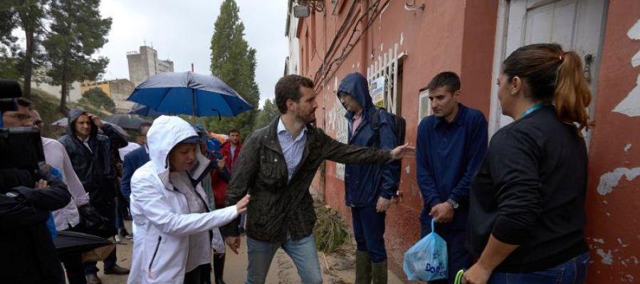 Pablo Casado visita las zonas afectadas por la gota fría en Ontinyent
