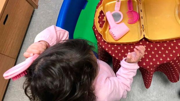 El truco infalible de una madre para que su hija no pida constantemente comprar juguetes