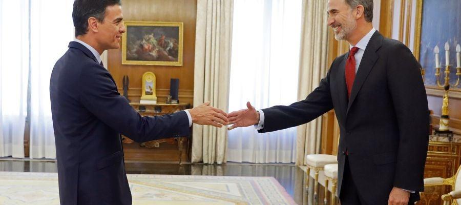 El Rey cerrará en la tarde del martes la ronda de consultas con Pedro Sánchez.