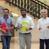 Joan Ferrer, del PSIB, Josep Ferrà, de MÉS per Mallorca y Pablo Jiménez, de Unidas Podemos antes de explicar la PNL por la huelga mundial por el clima.