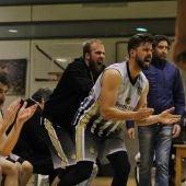 Javi Pascual, Rubén Pedrós, Nacho Moreno y el técnico del Elche Basket Club, Ramón Peña.