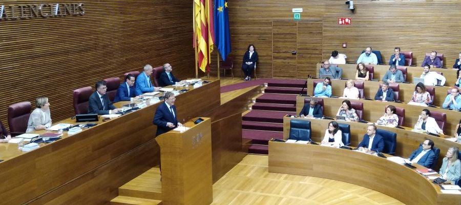 El president de la Generalitat Ximo Puig durante su comparecencia en Les Corts.