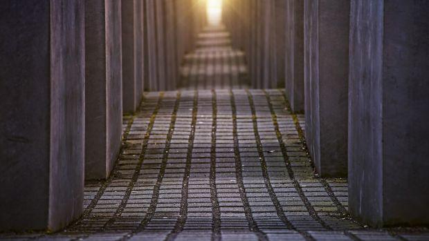"""Megaviajeros: El Monumento del holocausto, un """"recordatorio"""" donde el silencio lo dice todo"""