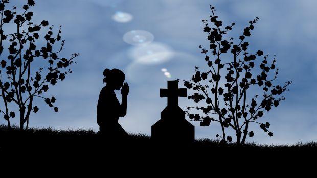 """Ana Laín, gerente de una funeraria: """"Un hombre nos pidió que lo enterraran haciendo un corte de mangas"""""""