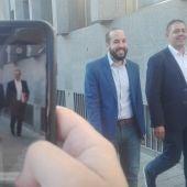 González Caballero y José Manuel Bolaños, a su llegada a la Audiencia Provincial