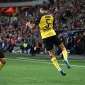 Achraf celebra su gol en Praga.