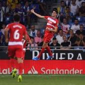 Carlos Fernández celebra un gol