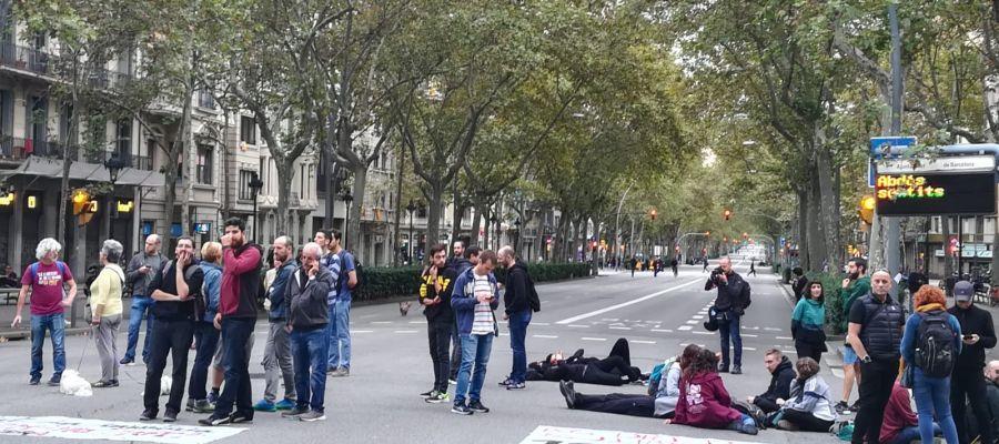Gran Vía de Barcelona cerrada a la altura de Plaza España