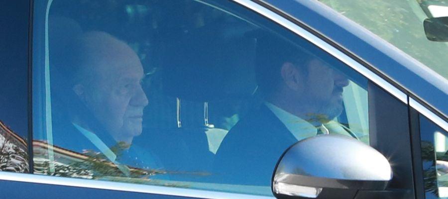 El Rey Juan Carlos I llegando a la boda de Rafa Nadal