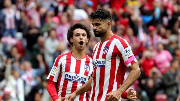 Joao Félix y Diego Costa, tras el gol del Atlético