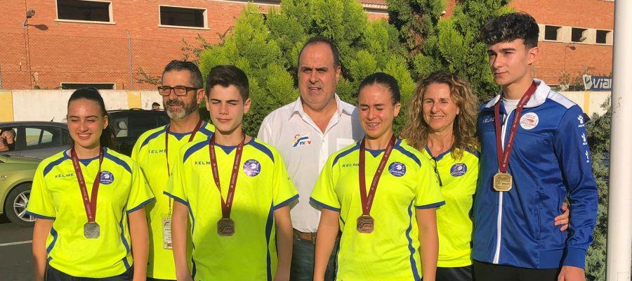 Un oro, una plata y dos bronces para el Club Chazarra Elche en la final de la Liga Autonómica de karate.