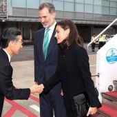 Los reyes, Felipe VI y doña Letizia, a su llegada este lunes a Japón