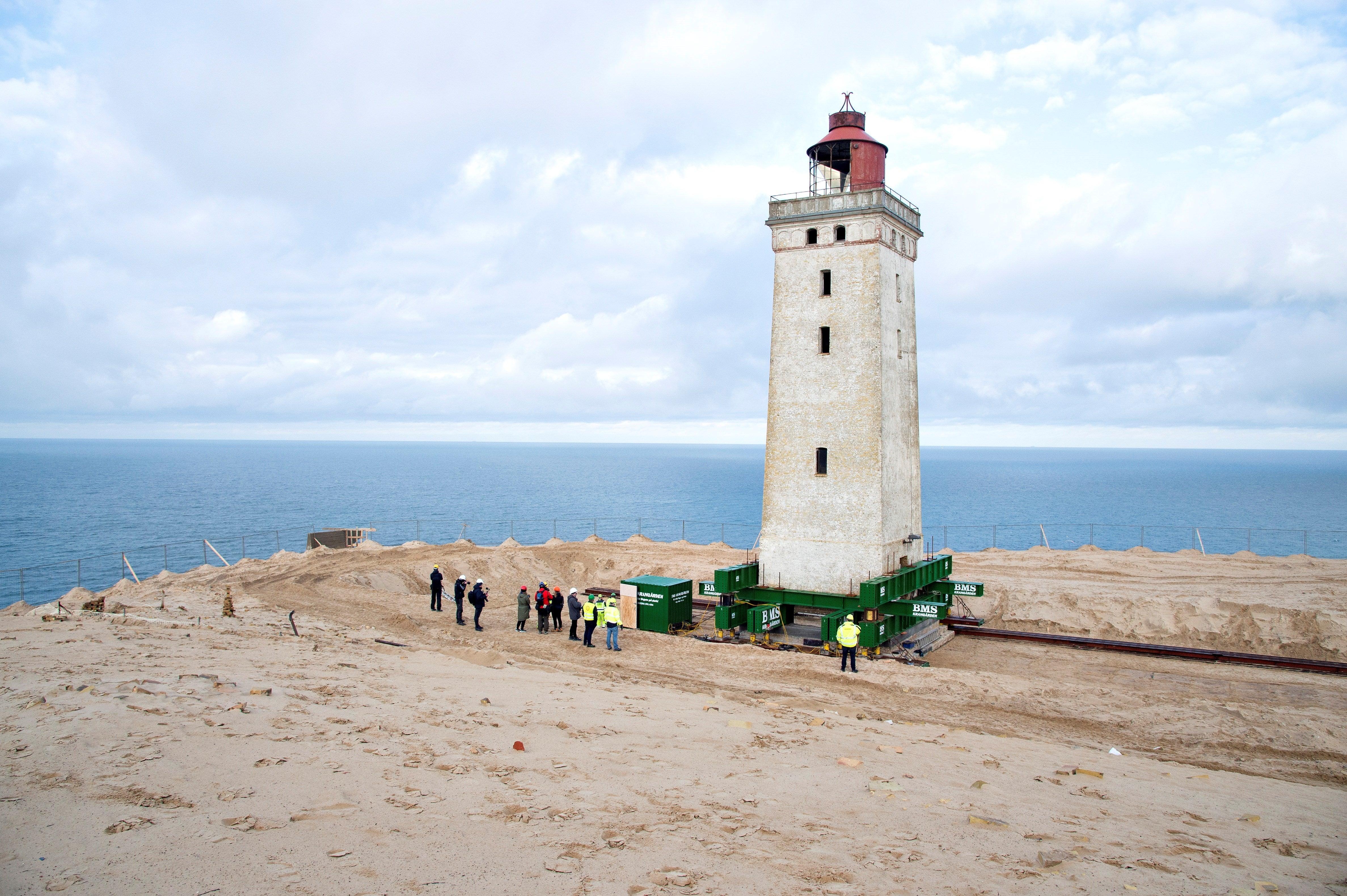 Punta Norte: El faro que cambió de sitio