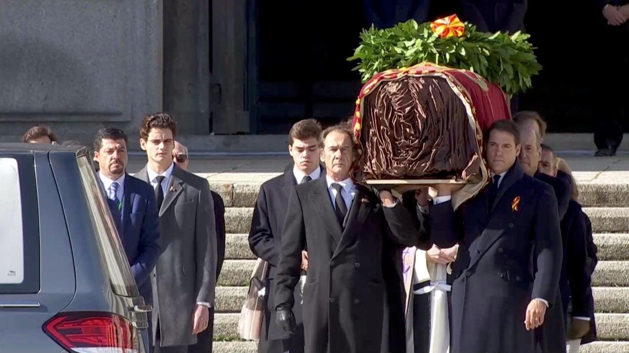 EN DIRECTO    Los restos de Franco salen del Valle de los Caídos