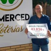 Manuel García, gerente de la Administración de Lotería La Merced de Elche.