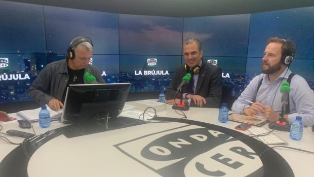 """Ortega Smith: """"No apoyaremos a Sánchez pero entenderíamos que el PP lo hiciera"""""""