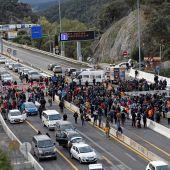 Los independentistas que ocupan La Jonquera