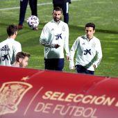 Albiol, en un entrenamiento con la Selección.
