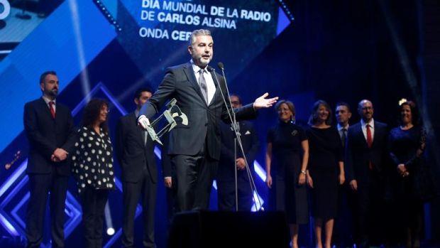 """Carlos Alsina dedica el Premio Ondas 2019 a su equipo de Más de Uno: """"El 'Uno' soy yo, y el 'Más' es mi equipo"""""""