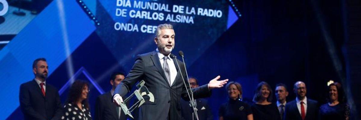 """Carlos Alsina dedica el Premio Ondas 2019 a su equipo de Más de Uno: """"El 'uno' soy yo, y el 'más', es mi equipo"""""""