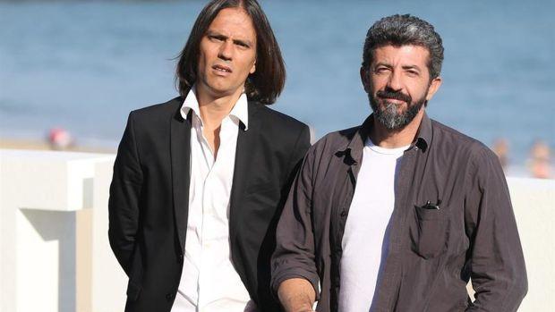 """Alberto Rodríguez y Rafa Cobos, creadores de 'La Peste', abordan el """"giro mainstream"""" de la segunda temporada"""