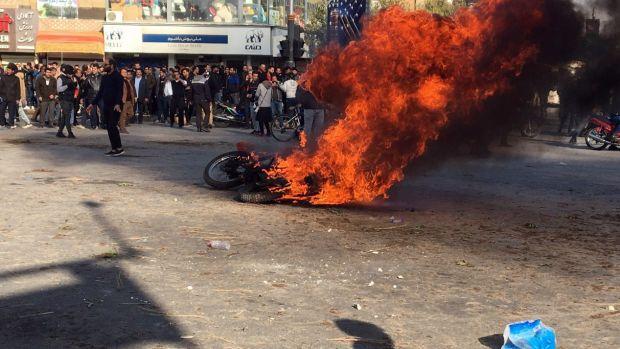Irán corta el acceso a Internet como respuesta a las protestas por la subida del precio de la gasolina