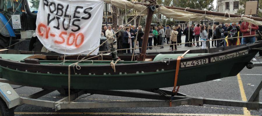 Protesta en València contra la remodelación de la CV500