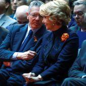 Esperanza Aguirre y Alberto Ruiz Gallardón en el acto de homenaje de la Constitución