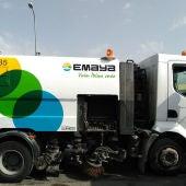 Vehículo de limpieza urbana de EMAYA