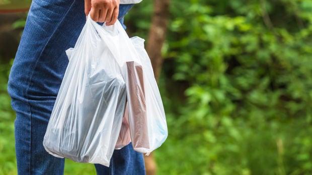 Inventan bolsas comestibles para sustituir a las de plástico