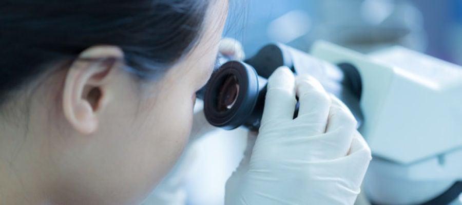 Novedoso unico sin precedentes los cientificos venden su trabajo mejor que las cientificas