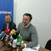 José Navarro y Pablo Ruz en el Ayuntamiento de Elche.
