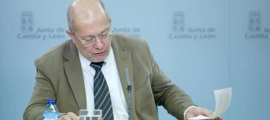 El vicepresidente, portavoz y consejero de Transparencia, Ordenación del Territorio y Acción Exterior, Francisco Igea, comparece en rueda de prensa posterior al Consejo de Gobierno