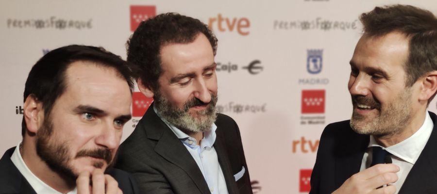 Aitor Arregi, Jon Garaño y Jose Mari Goenaga, en la alfombra roja de los Premios Forqué